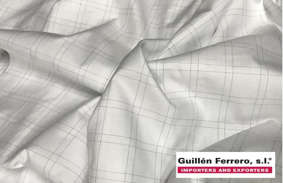 Guillén Ferrero, S.L. incorpora a sus muestrarios estructuras de Microfibras de Poliésteres mezcladas con un 0,6% de carbono.