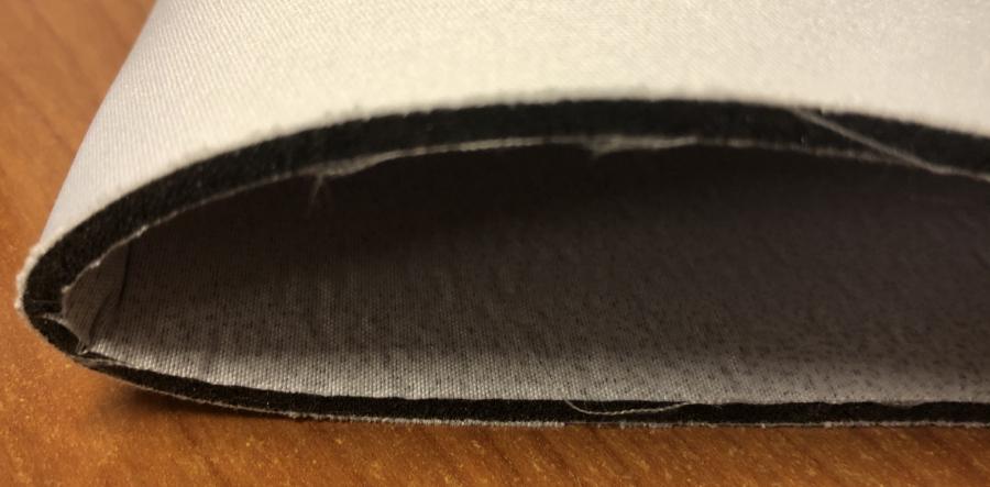 Distribuyendo de forma continuada tejidos muy técnicos con especificaciones muy parecidas al Neopreno. Con la diferencia de que nosotros lo podemos personalizar según los requisitos de nuestros clientes.