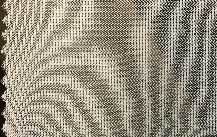 Tejidos de Ketten Poliéster 100% al servicio de las industrias textiles.